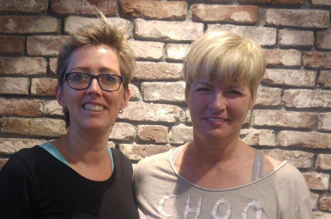 Katja ging na jaren weer naar een echte kapper!